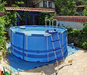 inflatable tub at the backyard