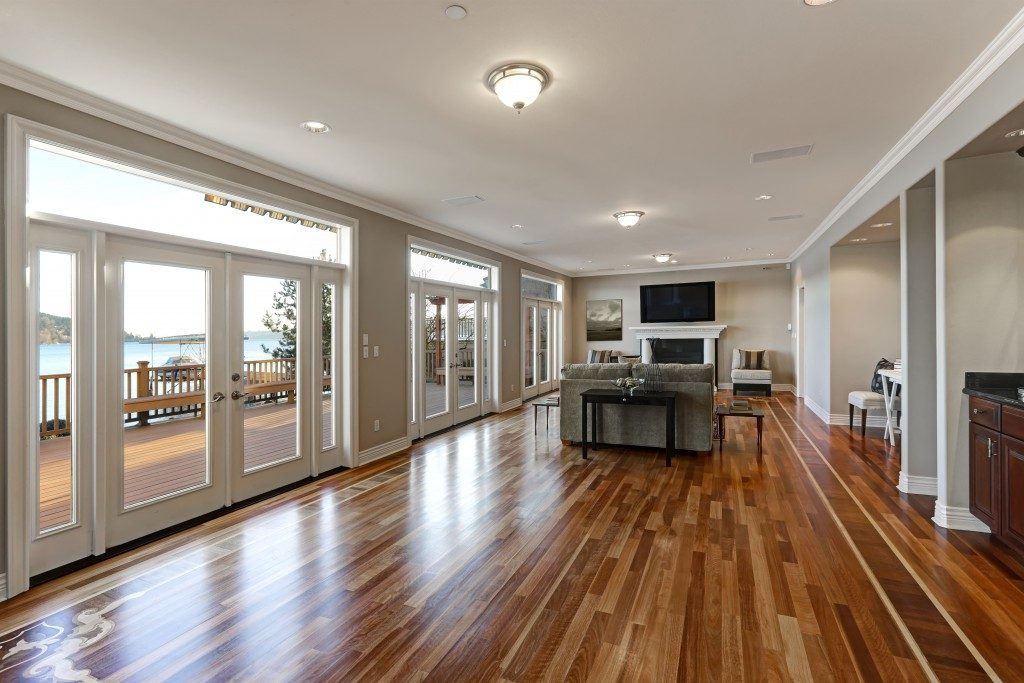 Room with hardwood floor