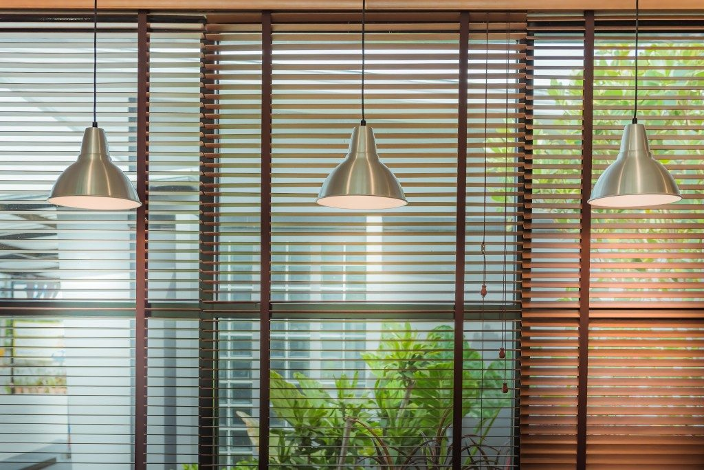 cordless window blind with wooden frame; and hanging lampshades