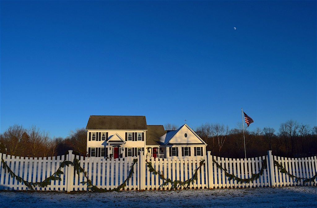 american-house-with-picket-fence
