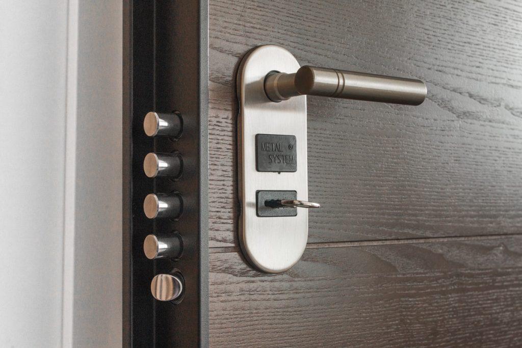 secure door knob